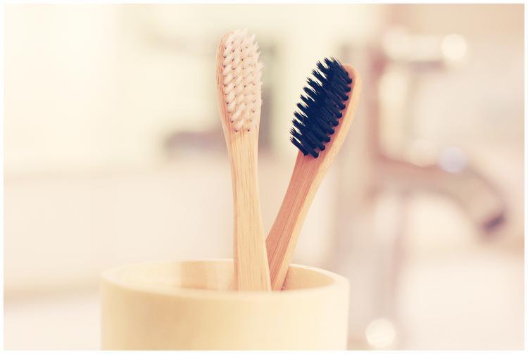 free-shipping-1lot-15pcs-Natural-bamboo-toothbrush-zakka-lovers-toothbrush-muji-high-quality-bamboo-charcoal-toothbrush