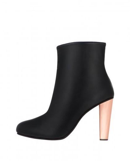 ankle_boot_metal_heel_carbon-1-420x520