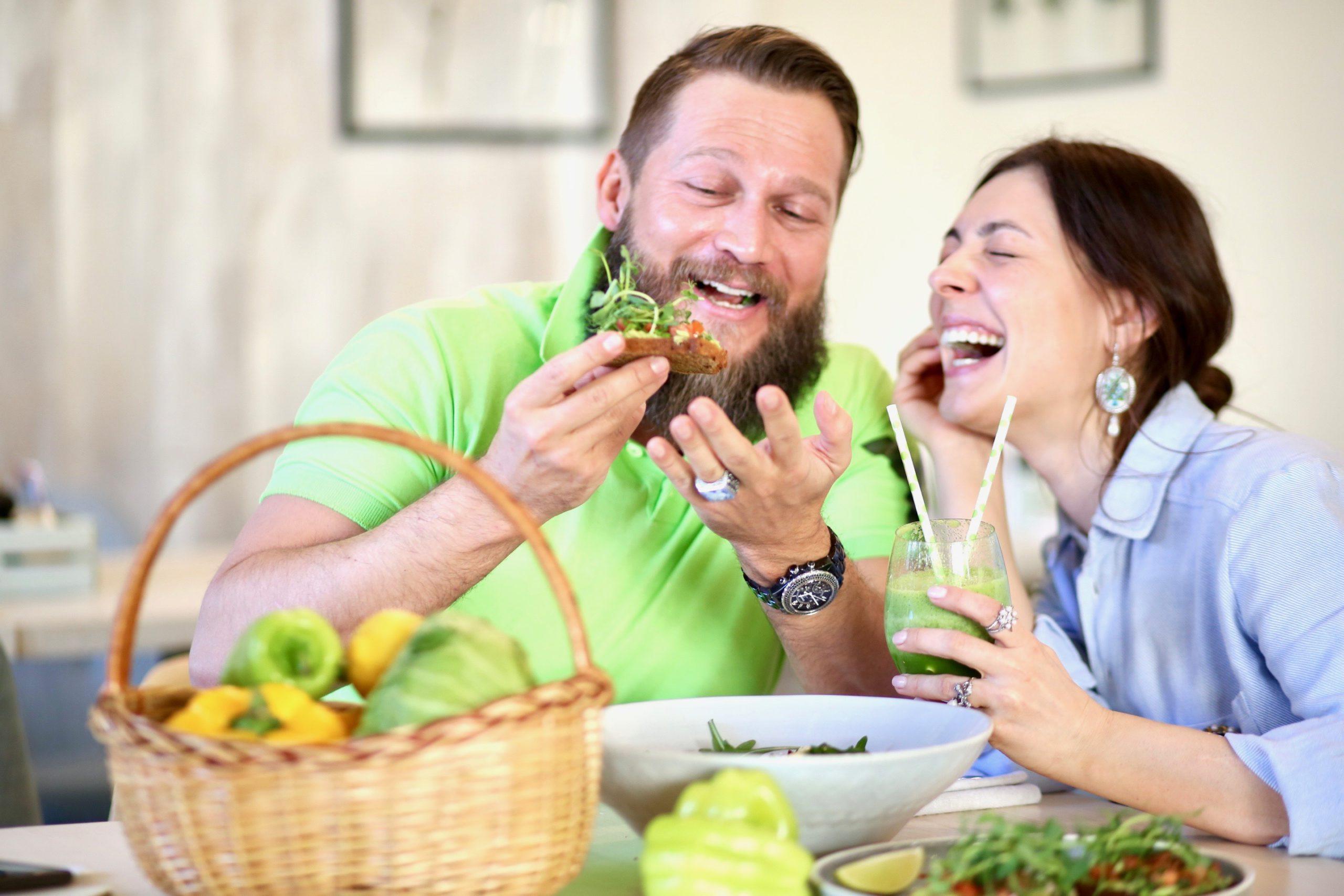 Вегетарианский, постный завтрак в кафе Verde