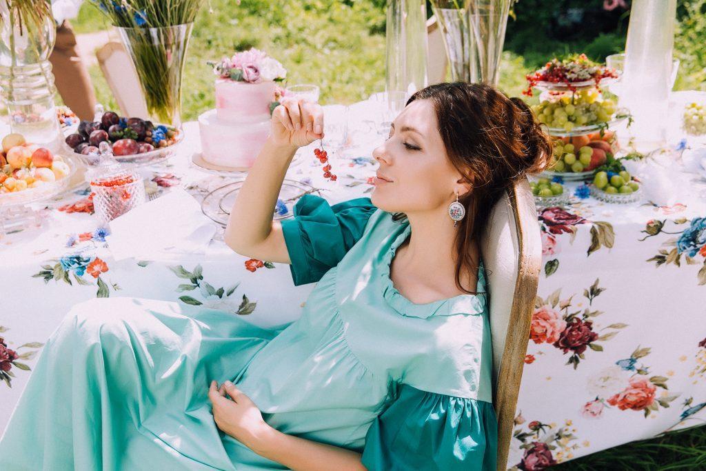 платье Vika Gazinskaya, серьги Axenoff